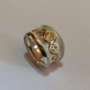 Silver, citrine & 9ct gold accents Size: Q / 8 1/2