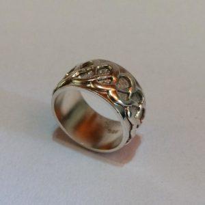 Men's silver celtic ring